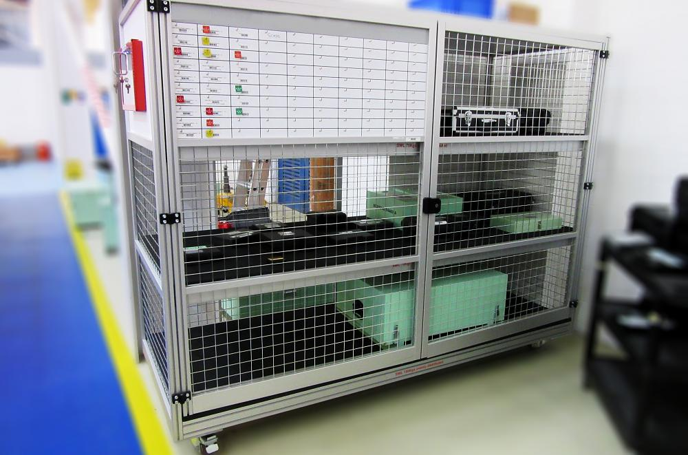 Aluminium Lockable Caged Rack